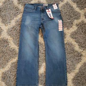 NWT Wrangler brand size 32x30 jeans
